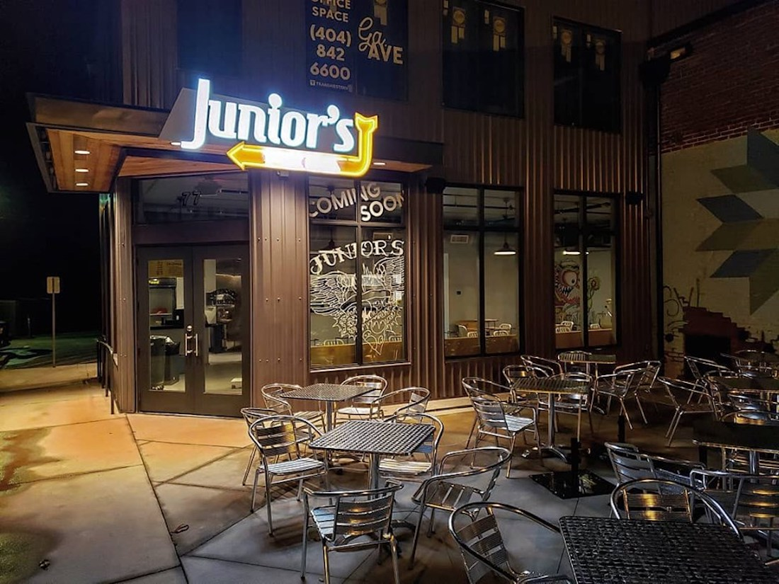 Junior's Pizza Storefront