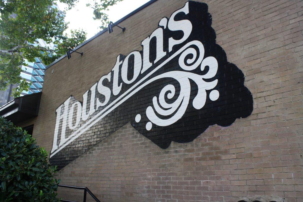 Houston's Lenox Road Buckhead