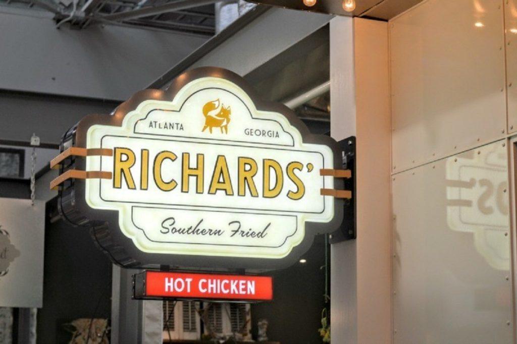 Richards Southern Fried Opening Signage