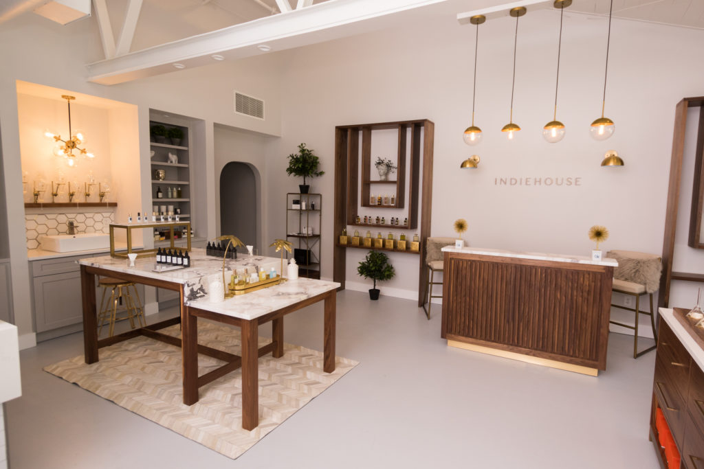 INDIEHOUSE Modern Fragrance Bar - Photo 1