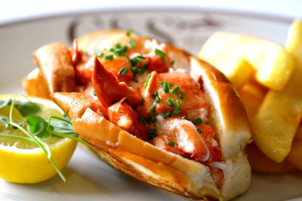 C&S Seafood and Oyster Bar Sandy Springs Lobster Roll