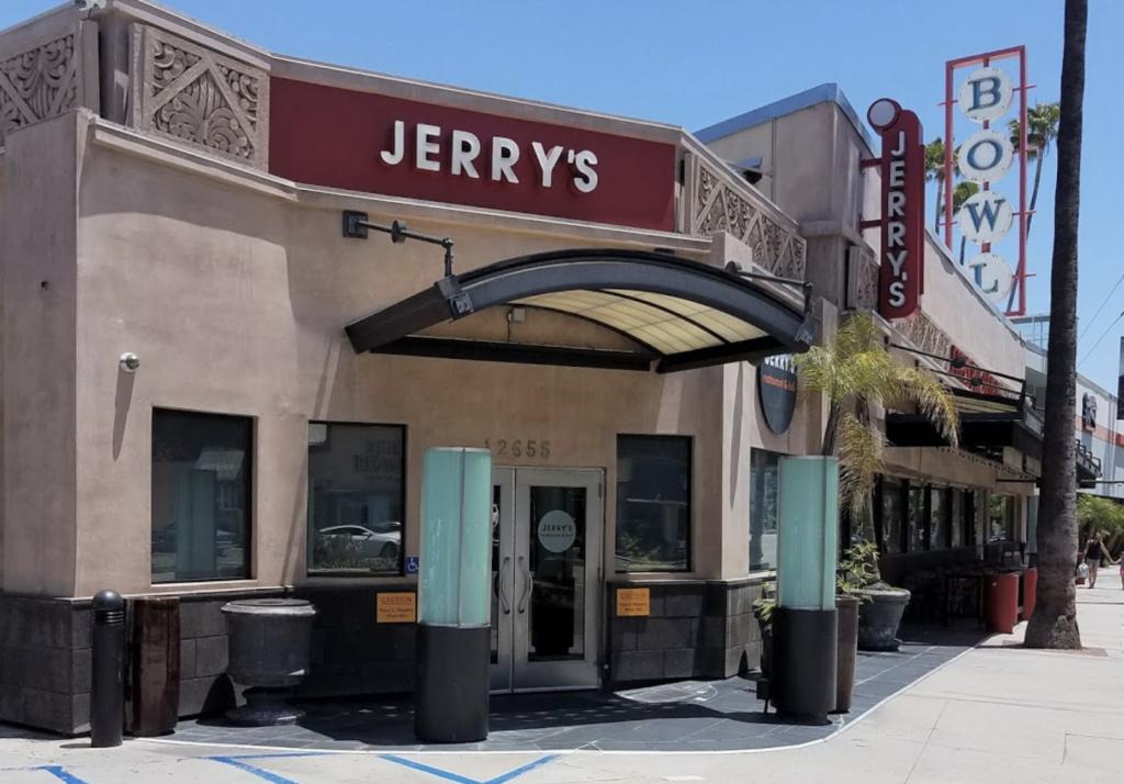 Jerry's Famous Deli Studio City Closing